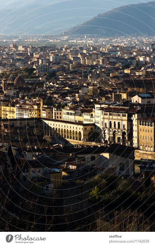 Around the World: Firenze Sonnenaufgang Sonnenuntergang Tourismus Florenz Toskana Italien Uffizien Abendsonne Altstadt Aussicht Textfreiraum unten