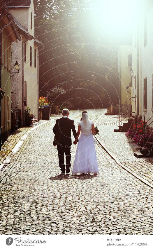 in Liebe Mensch Erwachsene Gefühle feminin Glück Religion & Glaube Feste & Feiern Paar Zusammensein maskulin Romantik Hochzeit Zusammenhalt Vertrauen