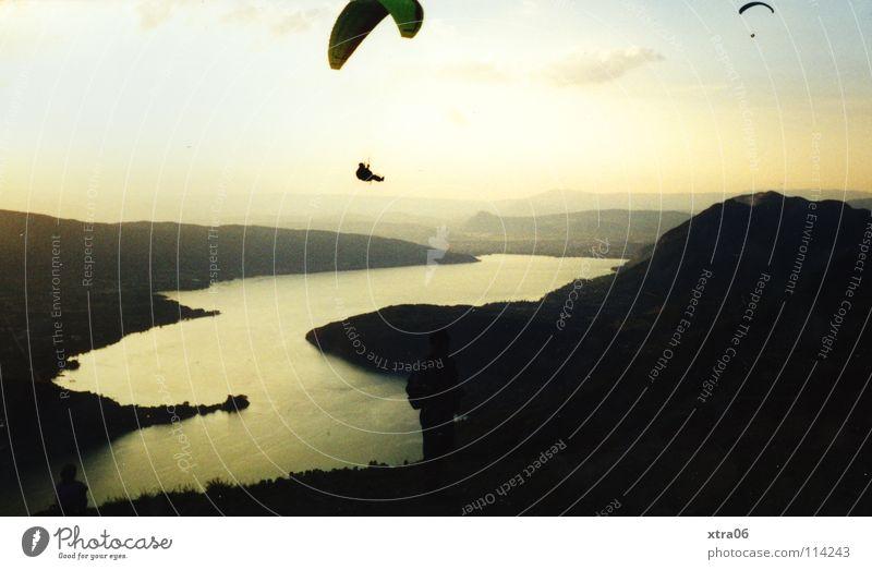 Annecy 9 - Freiheit Wasser Himmel See fliegen frei Luftverkehr Frankreich