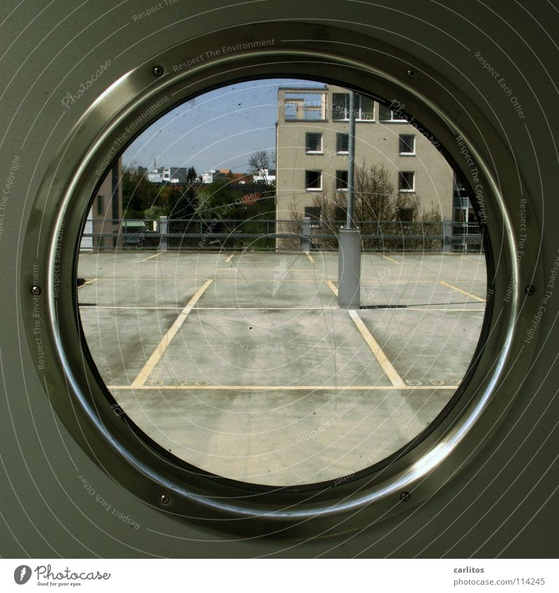 Quadrat? Rund ist bunt !! Linie Architektur Schilder & Markierungen Verkehr Parkplatz Wissen Treppenhaus Parkhaus Durchblick Moral Parkdeck Verständnis