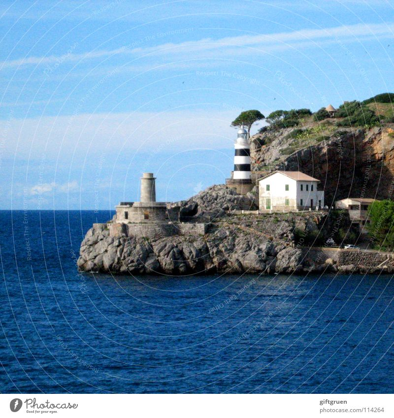 port de sóller Mallorca Balearen Spanien Leuchtturm Meer Haus Ferien & Urlaub & Reisen Sommer Strand verfallen Küste Schifffahrt Soller Felsen Berge u. Gebirge