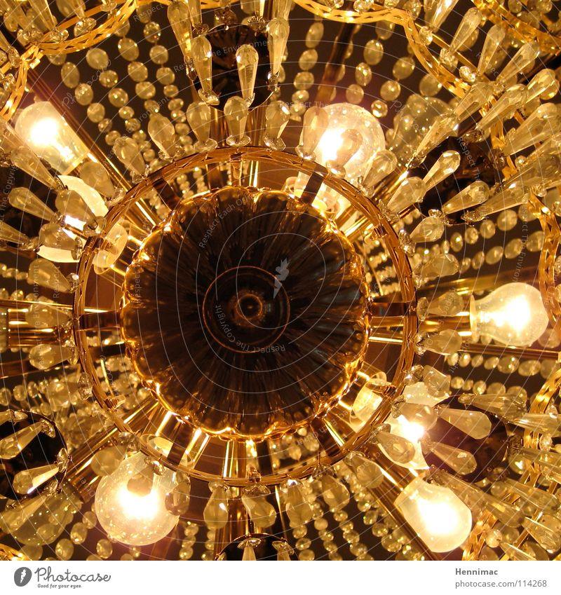 Leuchtender Luxus Licht Glühbirne Leuchter Lampe Deckenlampe Kronleuchter Deckenbeleuchtung Kunst Kunstlicht glänzend Reichtum Nostalgie antik