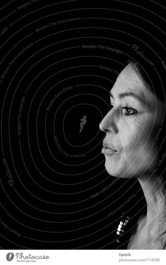 bildeinblick Porträt Frau Schwarzweißfoto Gesichtsausdruck alt Elektrizität Falte