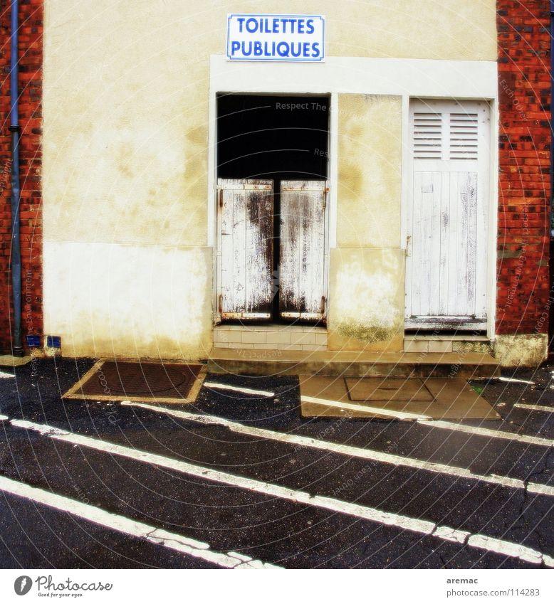 Notdürftig offen Frankreich Haus Wand Stuhlgang Halteverbot historisch Öffentlicher Dienst Freude Toilette