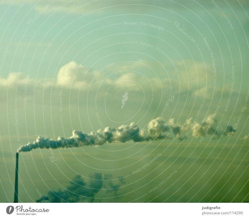 Himmel Autobahn fahren Fenster Wolken Rauch Umwelt Umweltverschmutzung heizen Industrie Farbe Schornstein Wind Nebel Wasserdampf Klimawandel