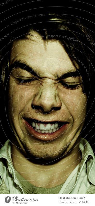danach Ärger Wut platzen bleich schwarz weiß Nasenloch Wimpern Augenbraue braun Stirn Stirnfalte distanzieren Trauer sprechen Grimasse maskulin seltsam