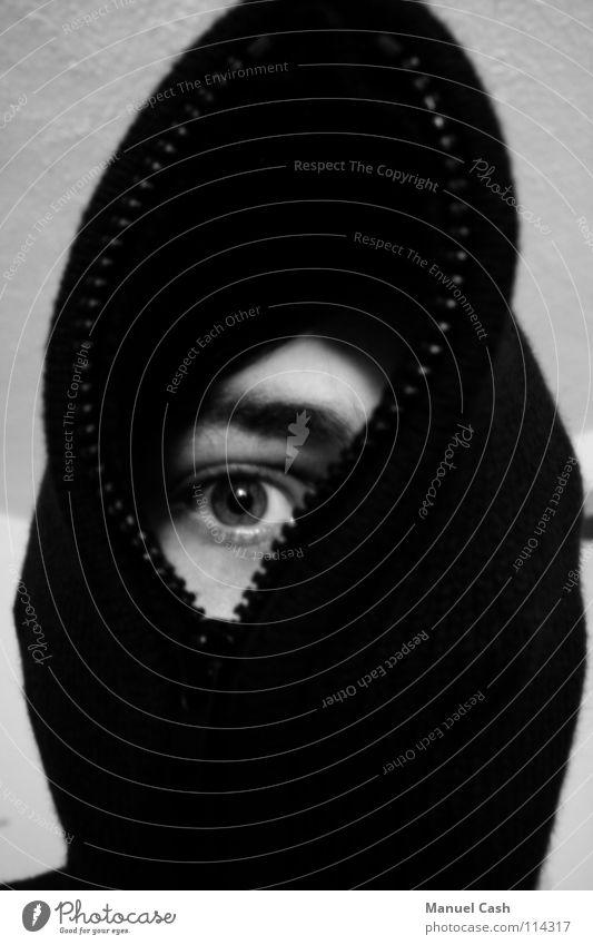 Auge um Auge weiß Reißverschluss grau rechts Schwarzweißfoto Kapuze Schatten
