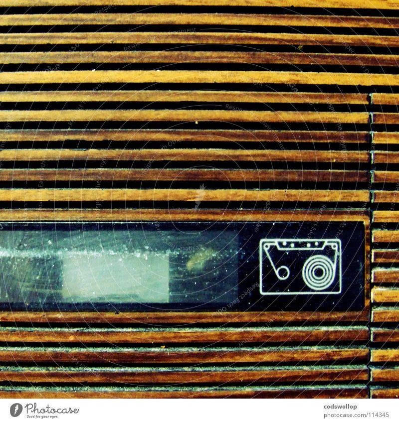 aufnahme abend Musik Pause stoppen beobachten Konzert Schnur Hinweisschild Radio Klang Musikkassette Entertainment Tonträger stereo Manuelles Küchengerät