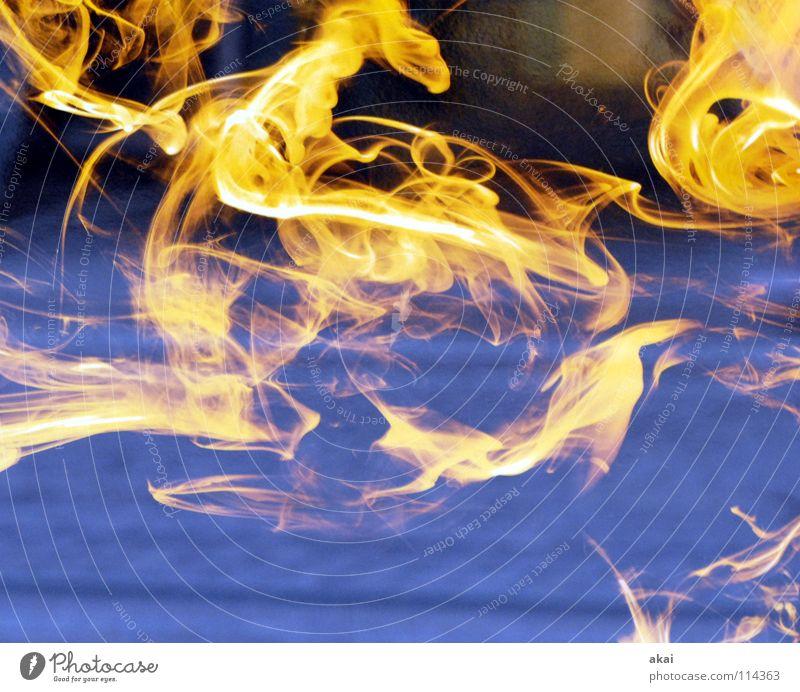 Feurio! gelb rot Dekoration & Verzierung heiß Physik Angst Panik Langzeitbelichtung Kraft Brand Flamme blau Gas Erdöl entflammbar Wärme