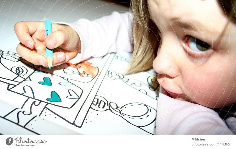 Du störst! Freude Freizeit & Hobby Bad Kindergarten Mädchen Herz zeichnen streichen lustig neu blau Beginn Konzentration Kreativität Zeitvertreib rausstrecken