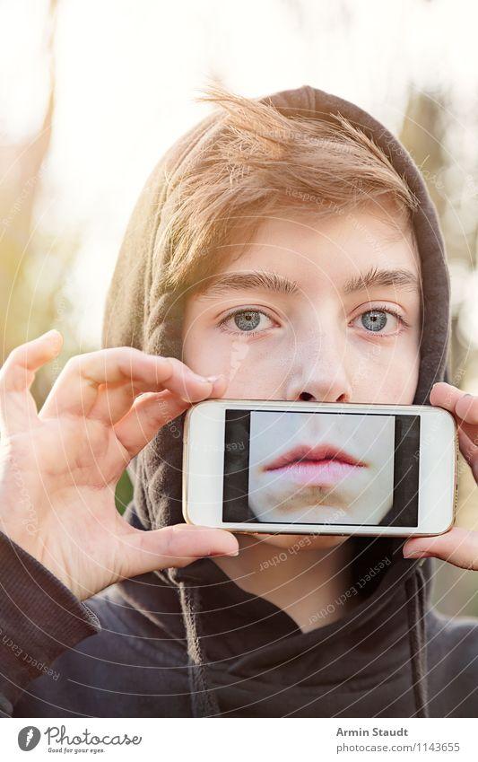 Virtual Reality III Mensch Kind Jugendliche Junger Mann Gefühle Stil Lifestyle Kopf maskulin Design 13-18 Jahre Technik & Technologie Mund Telekommunikation