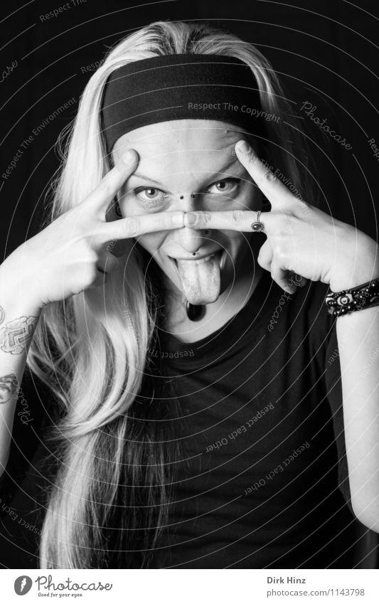 . Lifestyle Mensch feminin Junge Frau Jugendliche Leben Kopf 1 18-30 Jahre Erwachsene Aggression authentisch außergewöhnlich blond Coolness eckig frech trendy