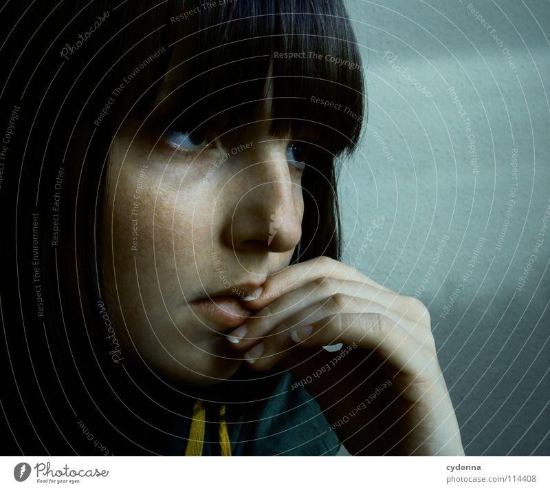 It's not over Frau Mensch Natur Hand blau schön schwarz feminin dunkel Gefühle Stil Denken Traurigkeit Mund Raum natürlich