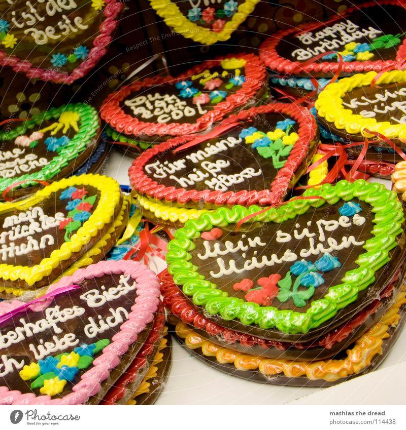 Nettigkeit Als Massenware Freude Liebe dunkel Ernährung Gefühle Glück braun Herz mehrere verrückt süß Schriftzeichen viele Information Gastronomie Markt