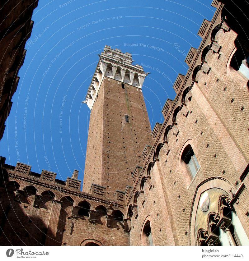Palazzo Pubblico, Siena (Italien) Himmel blau Architektur Stein Europa Turm Kultur Bauwerk Vergangenheit historisch Wahrzeichen Sehenswürdigkeit Altstadt