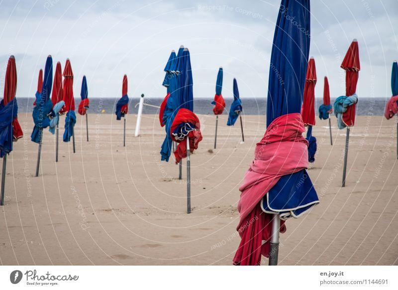 Vorsaison Lifestyle Erholung ruhig Ferien & Urlaub & Reisen Tourismus Sommer Sommerurlaub Strand Meer Sand Himmel Wolken Horizont Frühling Herbst