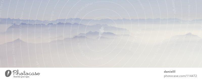 Adlerperspektive Wolken Ferne kalt Herbst Berge u. Gebirge Luft Nebel hoch Perspektive Niveau weich Alpen Spitze Gipfel Schweben Fernweh