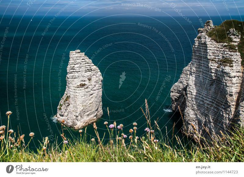 Alleinstellung Himmel Natur Ferien & Urlaub & Reisen Sommer Meer Landschaft Ferne Gras Küste Freiheit Felsen Horizont Tourismus Klima Schönes Wetter Abenteuer