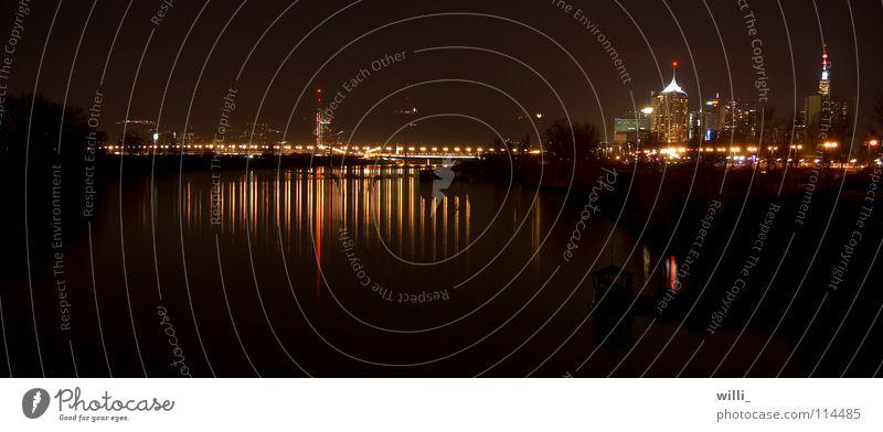 Reichsbrücke und VIC Wasser dunkel Brücke Fluss Skyline Bach Wien Lichtbrechung Österreich Donau Lichtermeer Donauinsel