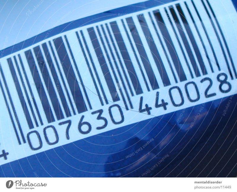 |S|T|R|I|C|H|*code Verpackung weiß Ziffern & Zahlen obskur Strichcode blau