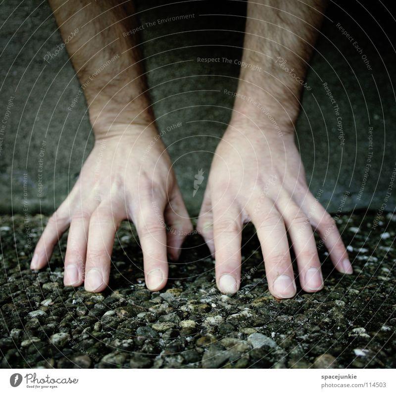 hands (2) Hand Freude kalt Wand Mauer lustig Beton Finger berühren skurril Schweben Handstand