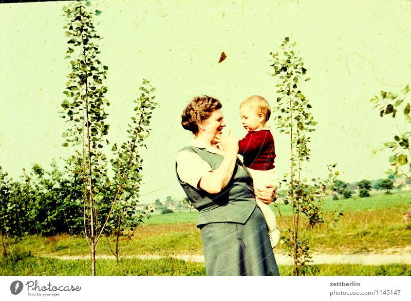 Oma Hedwig und ich Familie & Verwandtschaft Familienausflug Familienplanung Familienglück verwandt Vergangenheit Kind Kindheit Kindheitserinnerung Erinnerung