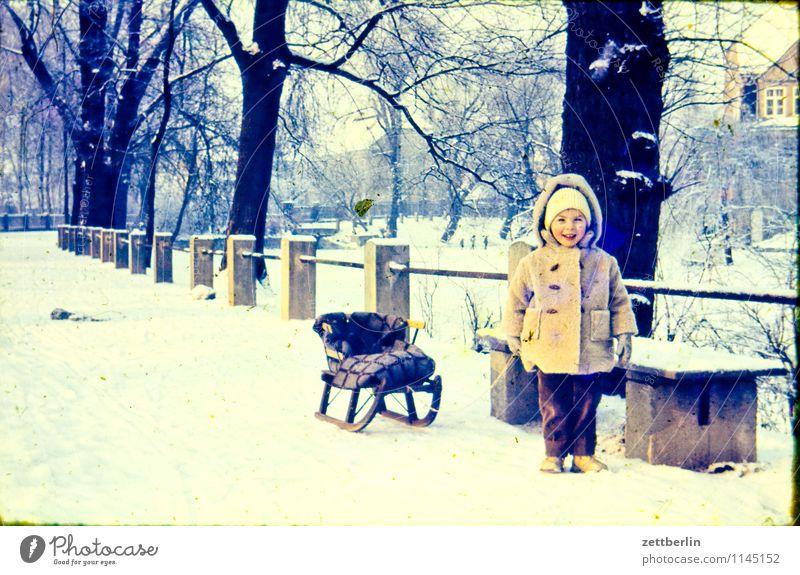 Winter 1963 Familie & Verwandtschaft Familienausflug Familienglück verwandt Vergangenheit Kind Kindheit Kindheitserinnerung Erinnerung Fünfziger Jahre