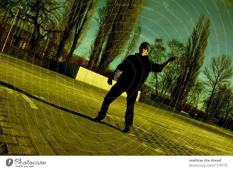 HACK II Fußtritt treten Spielen anstrengen Luft Park Sonnenlicht dunkel Konzentration Baum Mann maskulin fangen Trick Stil Jugendkultur neu Freude Extremsport
