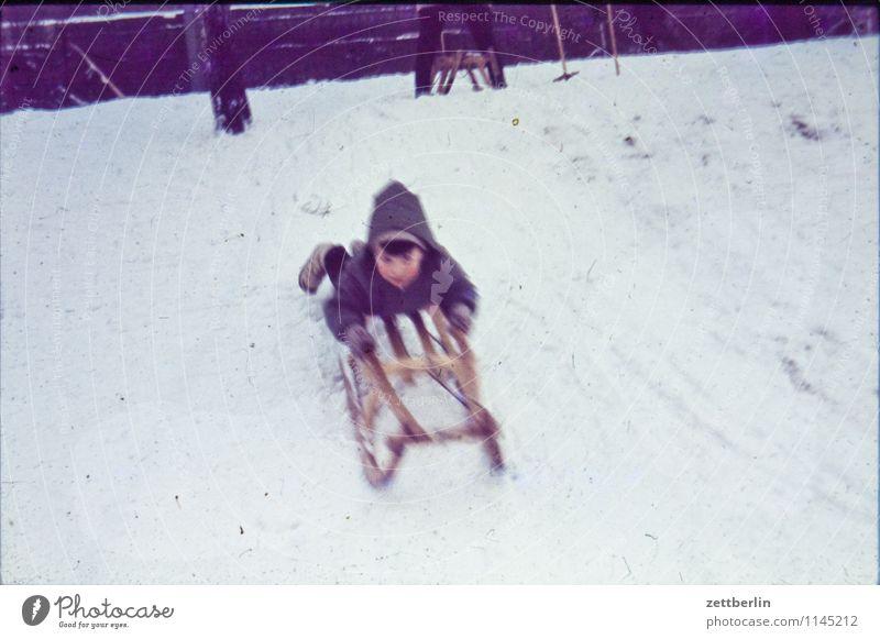 Thomas im Winter Mensch Kind Natur Landschaft Gesicht Schnee Spielen Familie & Verwandtschaft Textfreiraum Vergangenheit Kleinkind Sechziger Jahre Wintersport