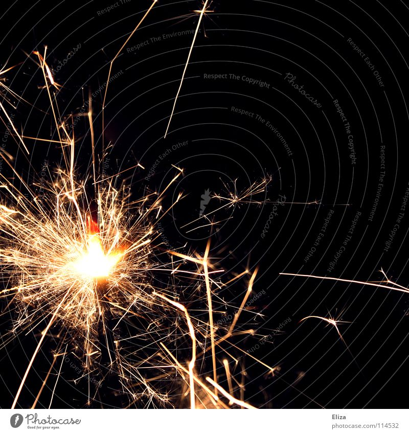 Brrzzrzzbrz schön dunkel Party Feste & Feiern Brand Elektrizität Kerze Silvester u. Neujahr Freizeit & Hobby Tanne Feuerwerk brennen glühen Funken Glut Wunderkerze