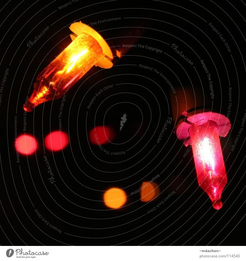 Weihnachtszeit, Weihnachtszeit,... mehrfarbig rosa rot Lichterkette Weihnachten & Advent Fenster Reflexion & Spiegelung Tiefenschärfe Glühbirne Beleuchtung