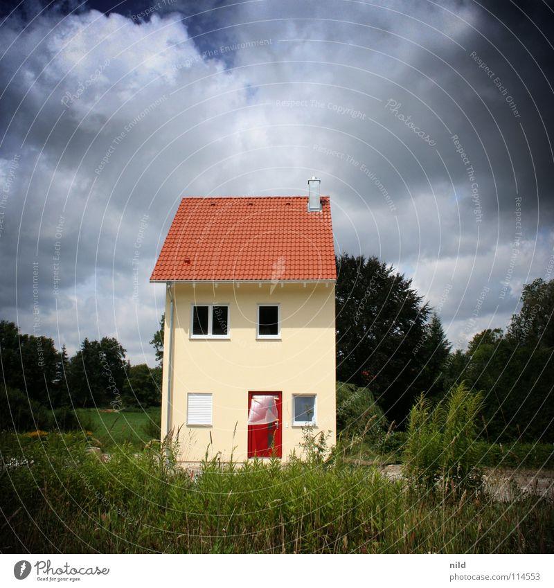 Doppelhaus(hälfte) Wolken Haus Einsamkeit Garten Park lustig Deutschland Wohnung neu Baustelle Mitte Quadrat Teilung sparen Surrealismus