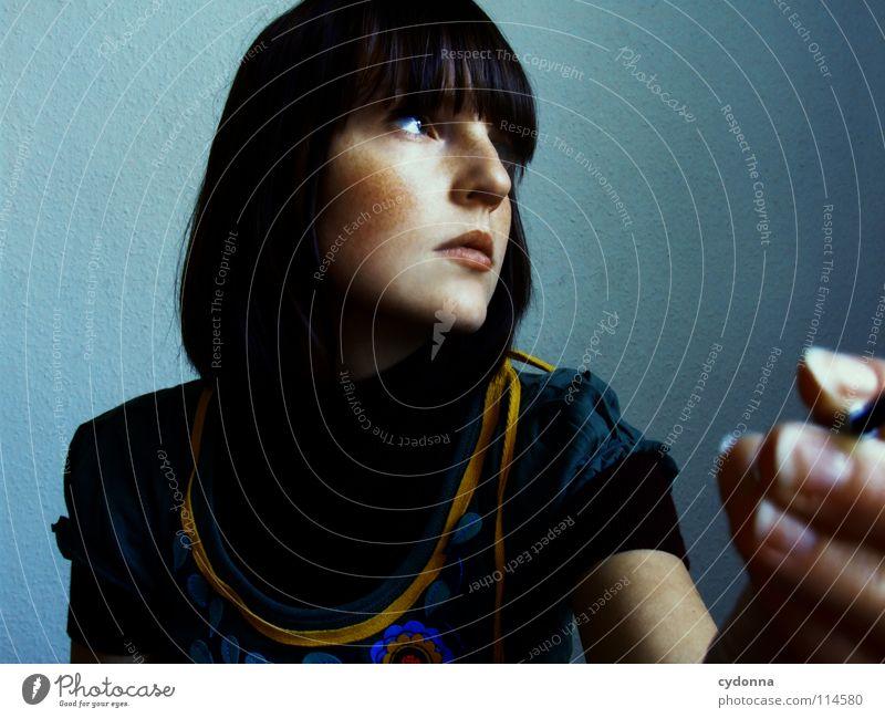 500 x ABGEDRÜCKT Frau Mensch Natur Hand schön blau schwarz dunkel feminin Gefühle Stil Haare & Frisuren Traurigkeit Denken Mund Raum