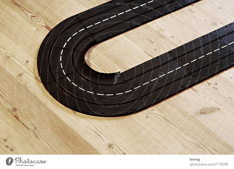 brumm brumm Freude Straße Spielen Linie Kindheit Geschwindigkeit Elektrizität Aktion rund fahren Spielzeug Gleise Autobahn Kurve Sportveranstaltung Rennbahn