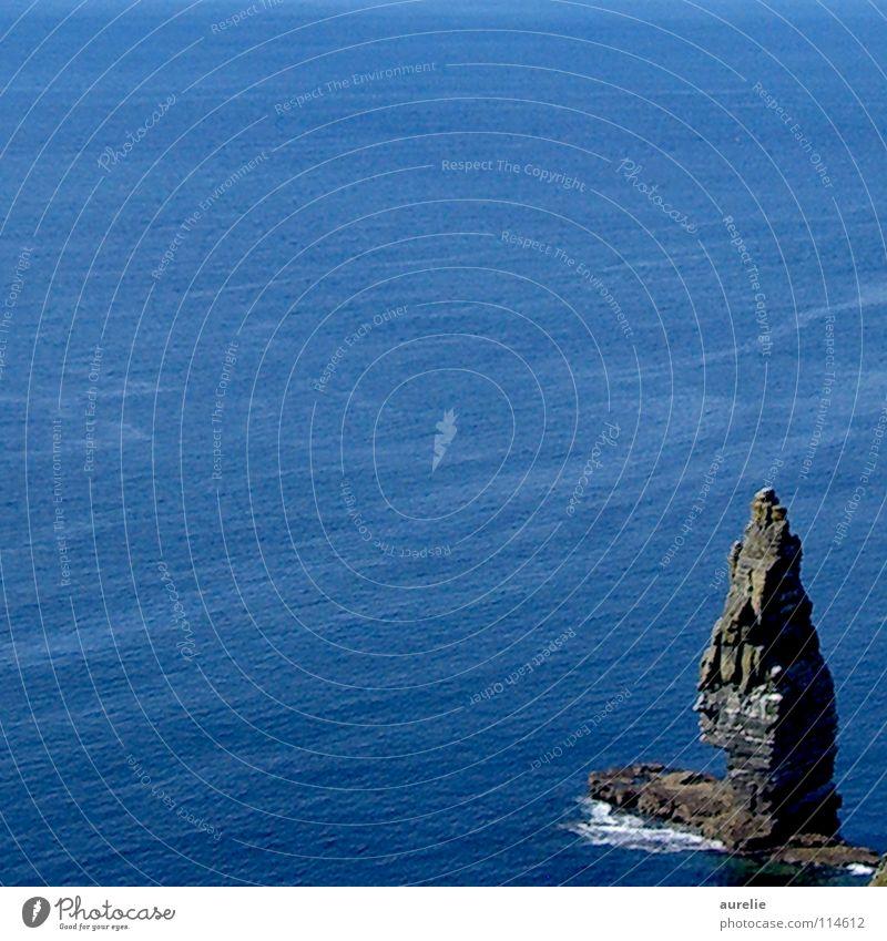 Fels in der Brandung Meer Landschaft Küste Felsen Klippe Republik Irland Cliffs of Moher
