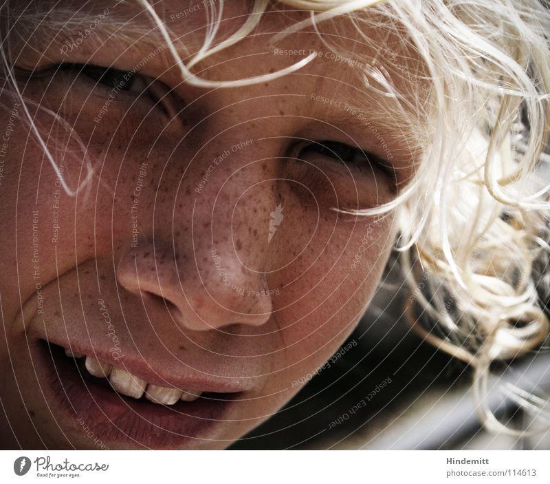 Leah Kind Mädchen schön Sommer Gesicht Ferien & Urlaub & Reisen dunkel lachen Haare & Frisuren Mund hell blond Wind Nase süß Zähne