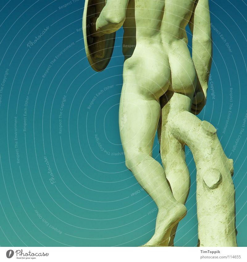 Du hast da was am Bein Wade Oberschenkel Unterschenkel Gesäß Gelenk nackt Krieger Spanien Barcelona Jugendstil gehen Statue Denkmal Mann maskulin Kraft Athlet