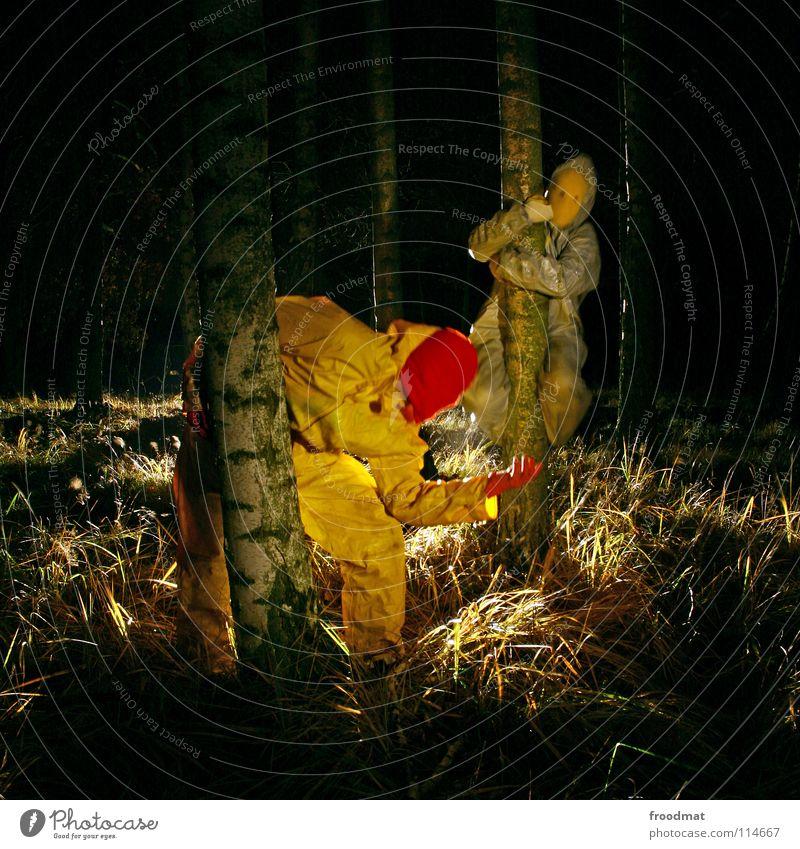 graugelb™ in the woods Baum gelb Wald grau Deutschland Sträucher Maske gruselig obskur Surrealismus Geäst Cottbus Birke grauenvoll Taschenlampe Schichtarbeit