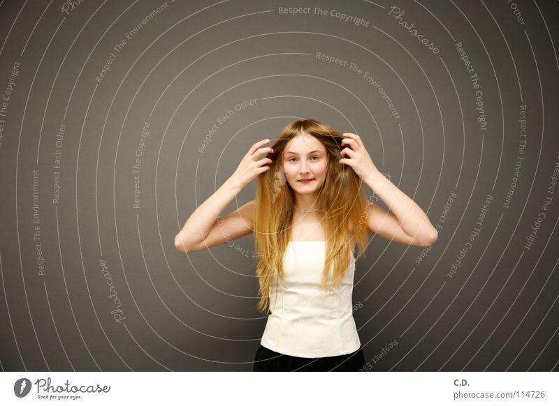 Vorhang auf! Frau Jugendliche weiß Freude Gesicht schwarz lachen Haare & Frisuren grau hell Haut blond Arme Finger Verlauf Gelenk