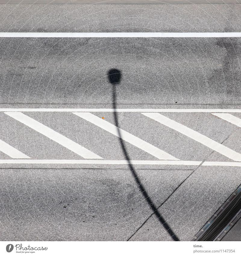 Huhu Verkehr Verkehrswege Autofahren Straße Wege & Pfade Mittelstreifen Straßenbeleuchtung Asphalt Teer Stein Schilder & Markierungen Verkehrszeichen Linie hell