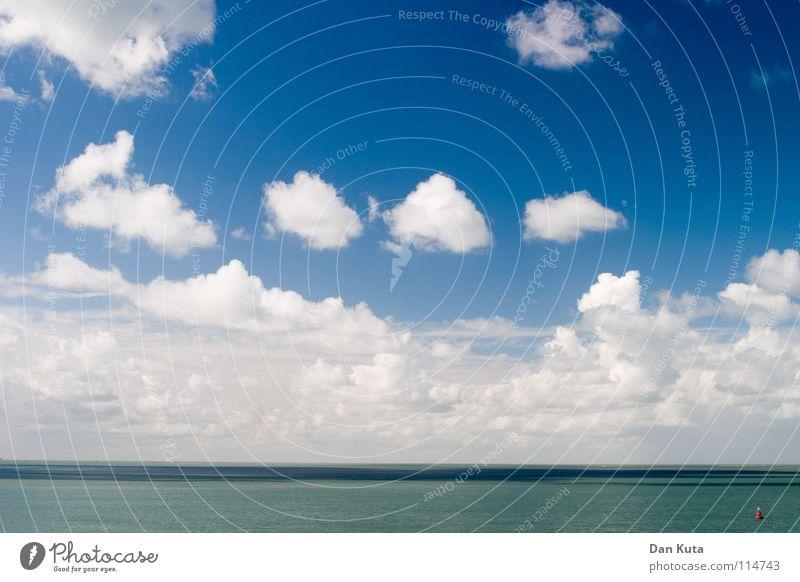 Himmels Villen Wasser Himmel Meer blau Wolken kalt Freiheit Linie Wind Horizont mehrere offen Niveau weich viele Geister u. Gespenster