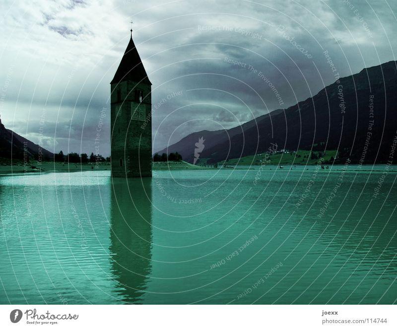 Untergang des Glaubens? Himmel Wasser alt grün Wolken Berge u. Gebirge See Religion & Glaube Energiewirtschaft Uhr Kirche Spitze verfallen Vergangenheit Verfall