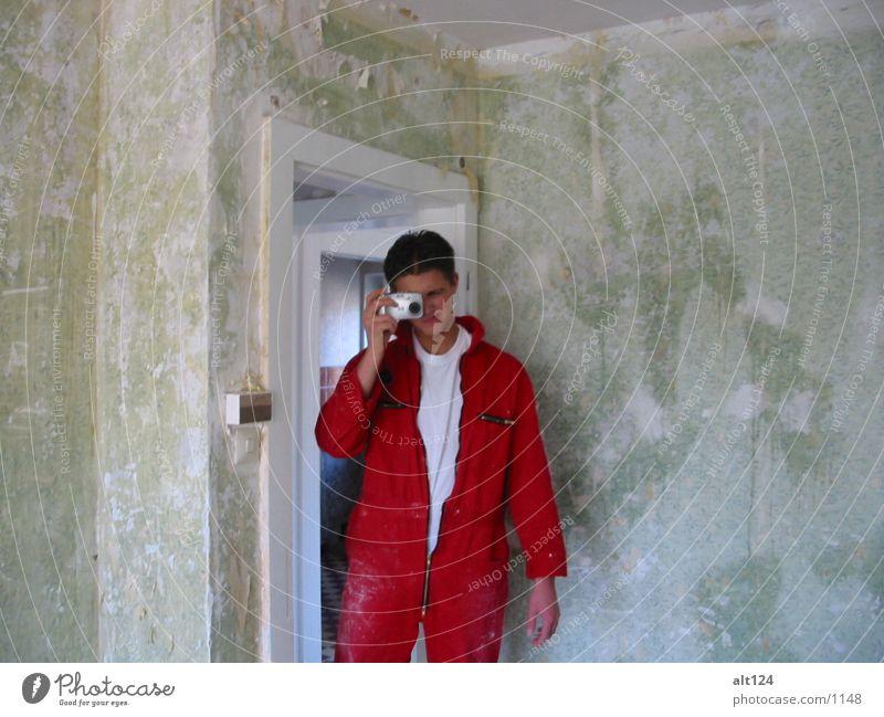 Spiegelbild Mensch rot Wand Fotografie