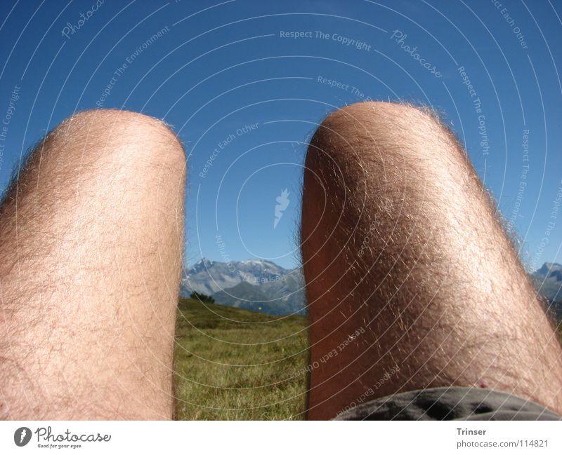 ausblick oder einblick? Natur Sommer Erholung Berge u. Gebirge Beine wandern Pause Müdigkeit