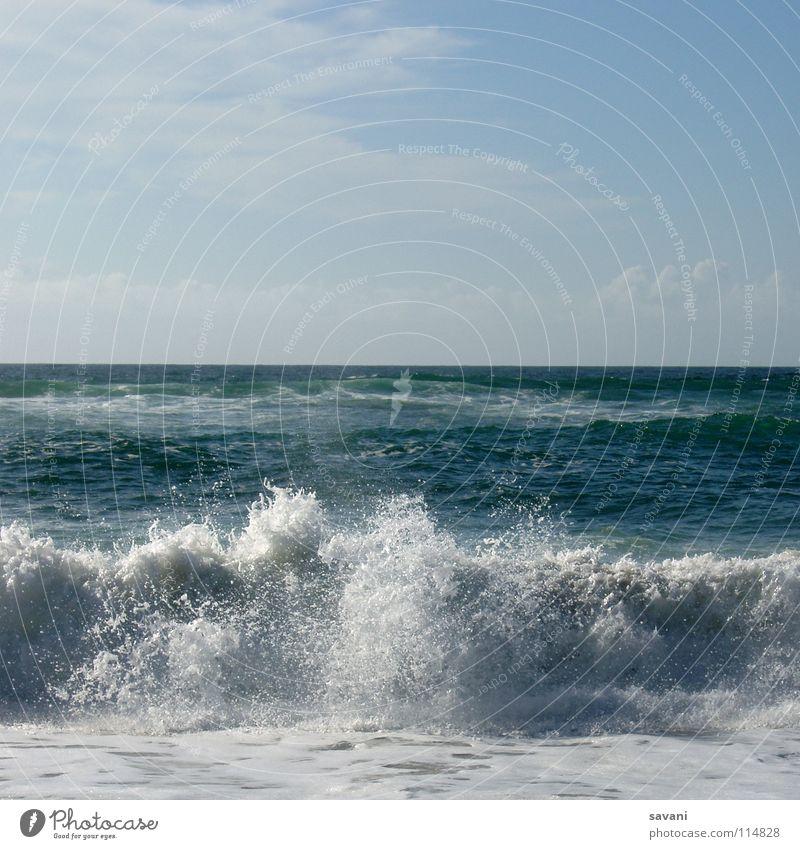 Wellen am Strand Erholung Freizeit & Hobby Ferien & Urlaub & Reisen Ferne Freiheit Sonnenbad Meer Natur Wasser Horizont Wärme Küste Bewegung heiß nass blau