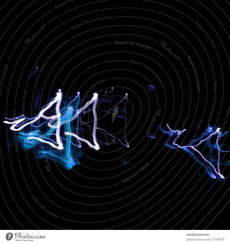 3er Dreieck Ecke Licht Blitze Langzeitbelichtung blitzen Laser Lasershow Laserschwert Disco Club gehen Abend Nacht dunkel weiß violett Neonlicht Lampe Spermien