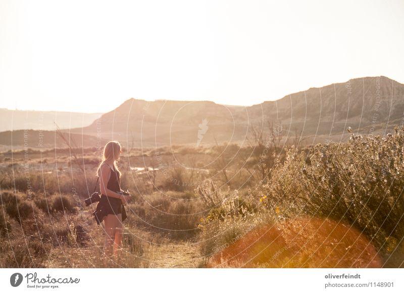 Spanien IV Mensch Natur Ferien & Urlaub & Reisen Jugendliche Sommer Junge Frau Sonne Landschaft Freude 18-30 Jahre Ferne Umwelt Erwachsene feminin Freiheit