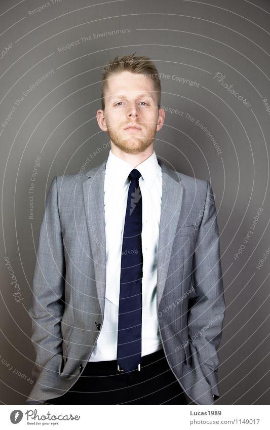 Führungskräfte Mensch Jugendliche Mann schön Junger Mann 18-30 Jahre Erwachsene Stil Lifestyle Mode Business maskulin Büro elegant blond Erfolg