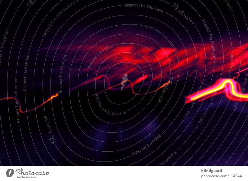 Red Hot rot gelb Licht Rücklicht Verkehr weiß grau diffus dunkel Nacht abstrakt Bewegung Geschwindigkeit Langzeitbelichtung Freude red PKW Linie Abend light