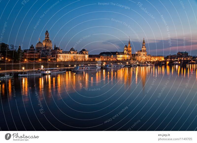 schön ist es da Ferien & Urlaub & Reisen Tourismus Ausflug Sightseeing Städtereise Nachtleben Nachthimmel Fluss Elbe Dresden Sachsen Deutschland Stadt Altstadt